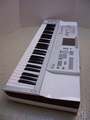 Korg TR61 61-key Workstation————380Euro