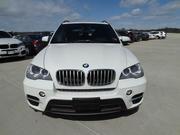 BMW X5 2011 белого цвета,  полный вариант,  движимый леди.