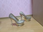 Продаю стильные женские туфли